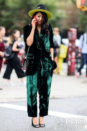 资讯【时尚女装】丝绒面料单品会穿的人都爱它